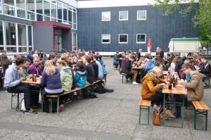 """""""meet `n` grill"""" an der Chemie der UHH. Foto: Jan von der Heyde"""